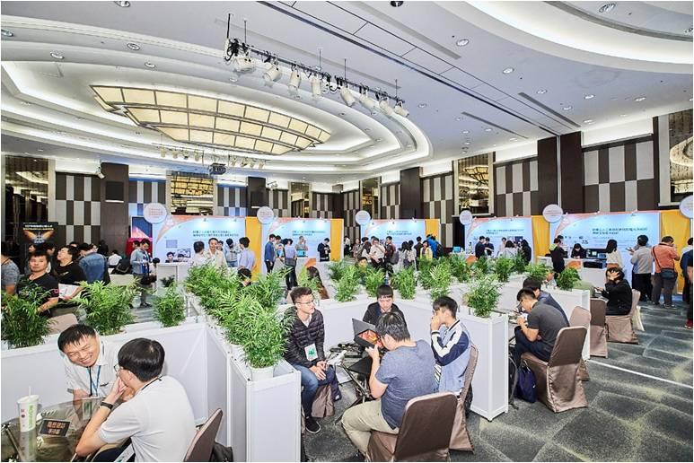 107年度物聯網工程人才實務研發成果交流暨就業博覽會-活動照片(2)